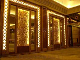正对入户门的墙设计图 关于入户门正对的墙应该怎样装饰才好