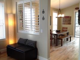 餐厅和客厅隔断图片 进门就是一体的餐厅和客厅,如何设计可起到隔断效果