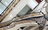 别墅镀金楼梯护栏 金色提气显品