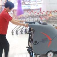 贺州超市电动洗地机货架密集场地洗地机厂家供应