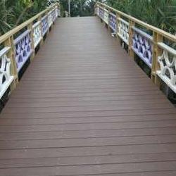 户外园林纯PS塑胶发泡材质仿木纹波纹地板护栏栏杆生产工厂