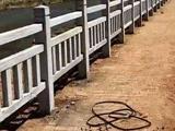 广东南雄美丽乡村建设河道仿木栏杆项目安装