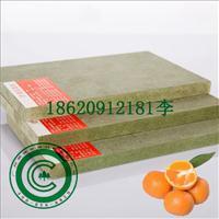 防潮密度板,绿色中密度板,防潮板图片