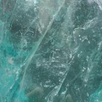 供应彩色水晶玻璃石头,灯光石笼景墙 水景堆装用琉璃块