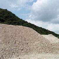 大量出售石英石原矿
