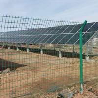 安徽光伏电站1.8米高围网选购技巧 铁丝网怎样浸塑才防锈?