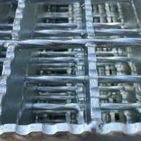 化工车间不锈钢楼梯踏步板  热镀锌插接钢格板