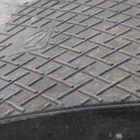 橡胶路沿坡 斜坡垫汽车台阶垫 坡度板路斜坡