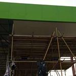 室外钢结构罩棚吊顶条形铝扣板厂家