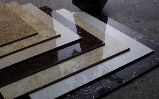 假砖施工方法视频 墙面瓷砖粘贴方法