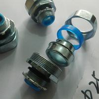 锌合金镀锌软管接头 4分包塑软管防水箱接头