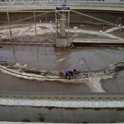 自来水厂水池堵漏