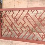 厂家专业定制木色铝合金花格窗-复古铝合金花格网价格