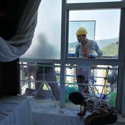 广州外墙玻璃更换维修安装固定玻璃开窗改造幕墙玻璃外墙换胶打胶