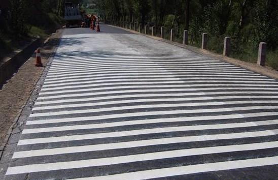 丙烯酸道路标线漆 停车场道路标线涂料的种类