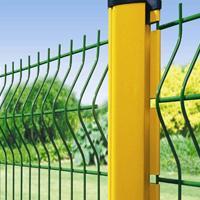 海拉尔三角折弯护栏网――内蒙古围栏隔离栅出厂价