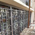 永新县街道改造仿木纹铝合金窗花格定制供应厂家价格