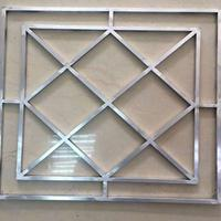 仿木纹铝窗花街道仿古木纹铝窗花改造工程铝合金门窗合作厂家