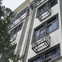 济南市街道改造装饰铝窗花_仿古木纹铝花格_铝挂落