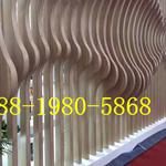 仿木纹型材铝方通生产厂家,弧形铝方通价格