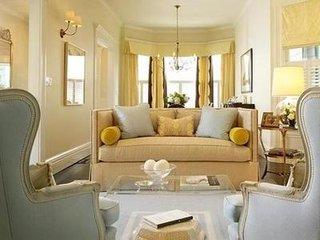 米黄客厅装修如何  浅米黄客厅配色效果图