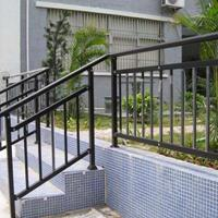 华禹护栏锌钢楼梯扶手楼梯栏杆厂家价格直销