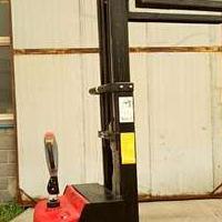 供应各种金盾全电动叉车 堆高车设备