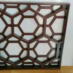 木色铝窗花,咖啡色花格,铝合金防盗窗厂家