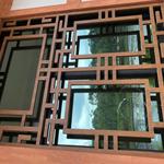 定制酒店隔断装饰仿木色铝窗花/仿古木纹铝窗花直销厂家