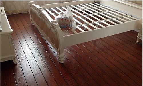实木地板和复合地板哪个好 实木地板和复合地板的比较