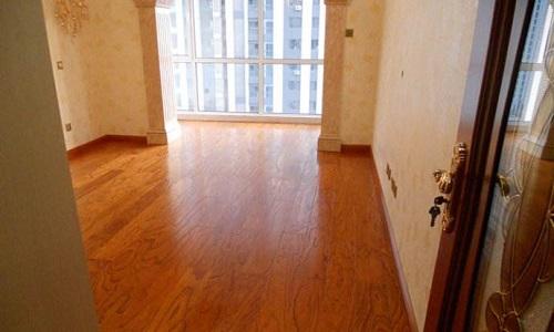 铺木地板下面要放什么 木地板施工步骤