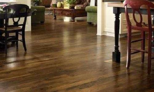 实木地板买圣象还是大自然 圣象大自然的实木地板价格