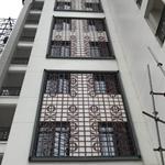 定制高级餐厅装饰仿木纹铝合金花格窗/仿木色铝屏风隔断厂家
