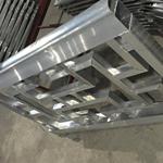 南宁市区广场铝窗花造型设计_氟碳雕花铝窗花大小规格定制