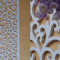 西安发廊店安装仿古木纹焊接铝合金窗花