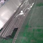 商场安装仿古木纹弧形焊接铝板的优势