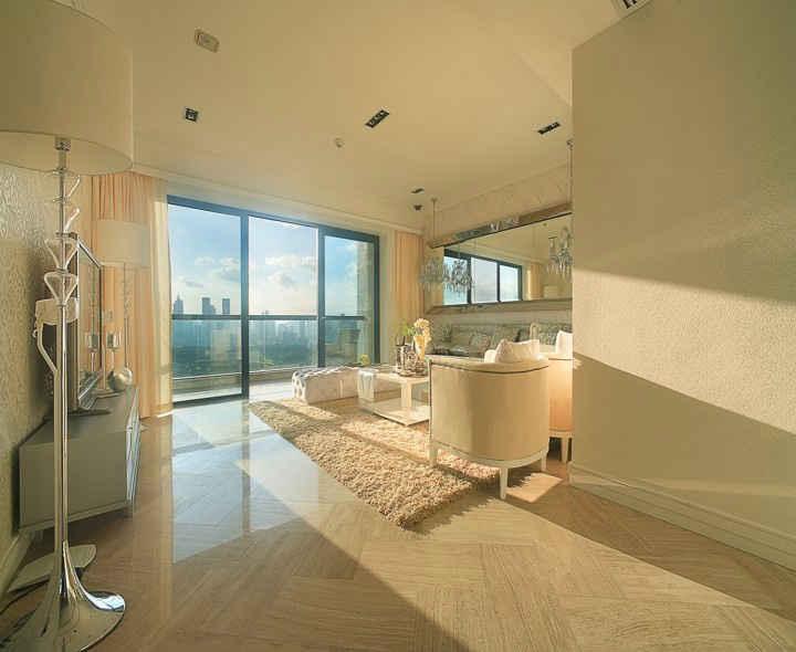 客厅与阳台隔断装饰柜 客厅与阳台隔断怎样做才好看?