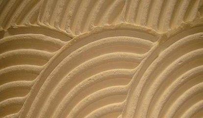用硅藻泥好还是墙布好  硅藻泥和墙布的特点分析