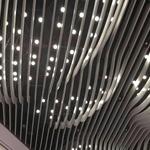 厂家直销弧形铝方通幕墙_木色铝方管吊顶异形铝方通定制