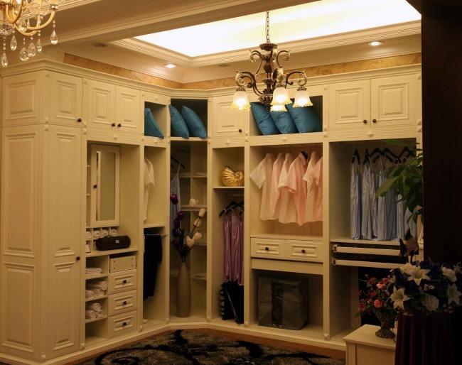 定制衣柜VS木工做衣柜 谁更具优势?