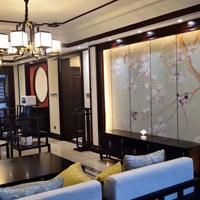 长沙市原木整房定做客户在线、原木酒柜、衣柜门订做批发代理