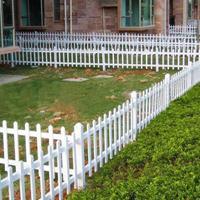 园林花园栏杆PVC草坪护栏公园草坪护栏小区两侧草木防护草坪护栏