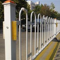 城市道路不安装安全防护栏杆易造成交通事故