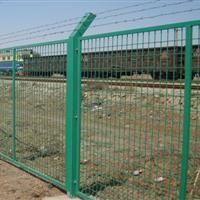 围栏铁网高速防护网圈地隔离网场地隔离网户外围栏