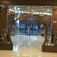 定制仿木铝合金仿古花格镂空隔断酒店屏风铝窗花工程装饰材料厂家