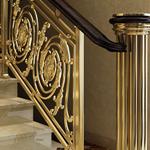 别墅铜艺楼梯厂家 沈阳包安装别墅金色楼梯 楼梯雕花板新款