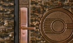 无钥匙智能安全门品牌三得利堪称防盗高手