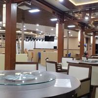 潮山高级餐厅-餐桌后面背景铝窗花 花格方管焊接成