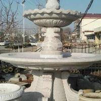 淄博园林石雕喷泉价格、黄锈石水钵厂家、黄金麻别墅水钵